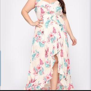 NWT... Fashion Nova Curve Floral Dress